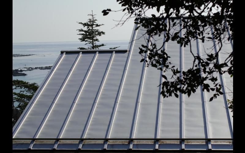 ガルバリウム剛版の屋根